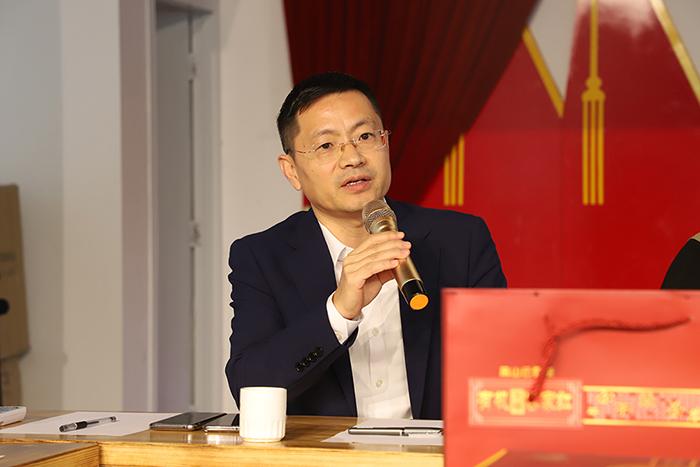 首届康禾茶产学研模式研讨会--暨中国佛教电视台茶研究院产学研基地授牌仪式